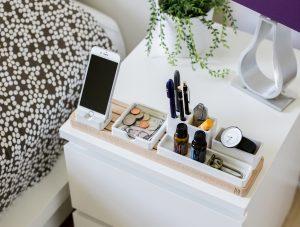 comodino edera iPhone camera da letto
