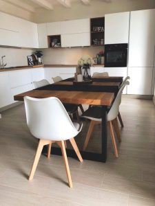 tavolo cucina rovere e acciaio stile nordico