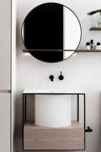 bagno bianco legno specchio rotondo