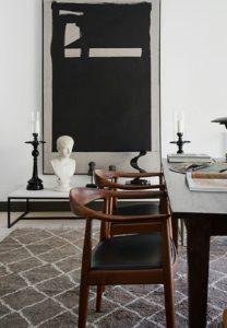 salotto moderno tappeto sedie legno